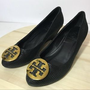 Tory Burch Black Shiny Leather Wedge Gold Emblem 6